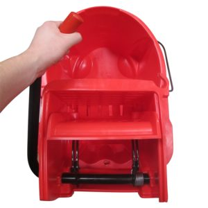 Rubbermaid FG758888RED Wave Brake de prensa lateral con capacidad para 8.7 galones, color roja