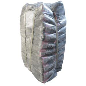 Paquete de bolsa grande color negra con 25 kilos