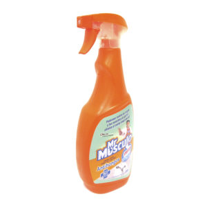 líquido Anti-Hongos marca Pato Purific con atomizador