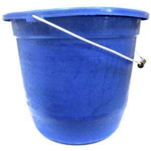 Cubeta color azul de plástico numero 20